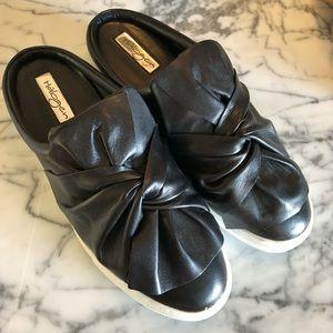 Halogen Manny black Leather slip on slides shoes